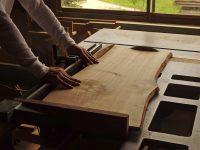 木曽の山桜の看板の板
